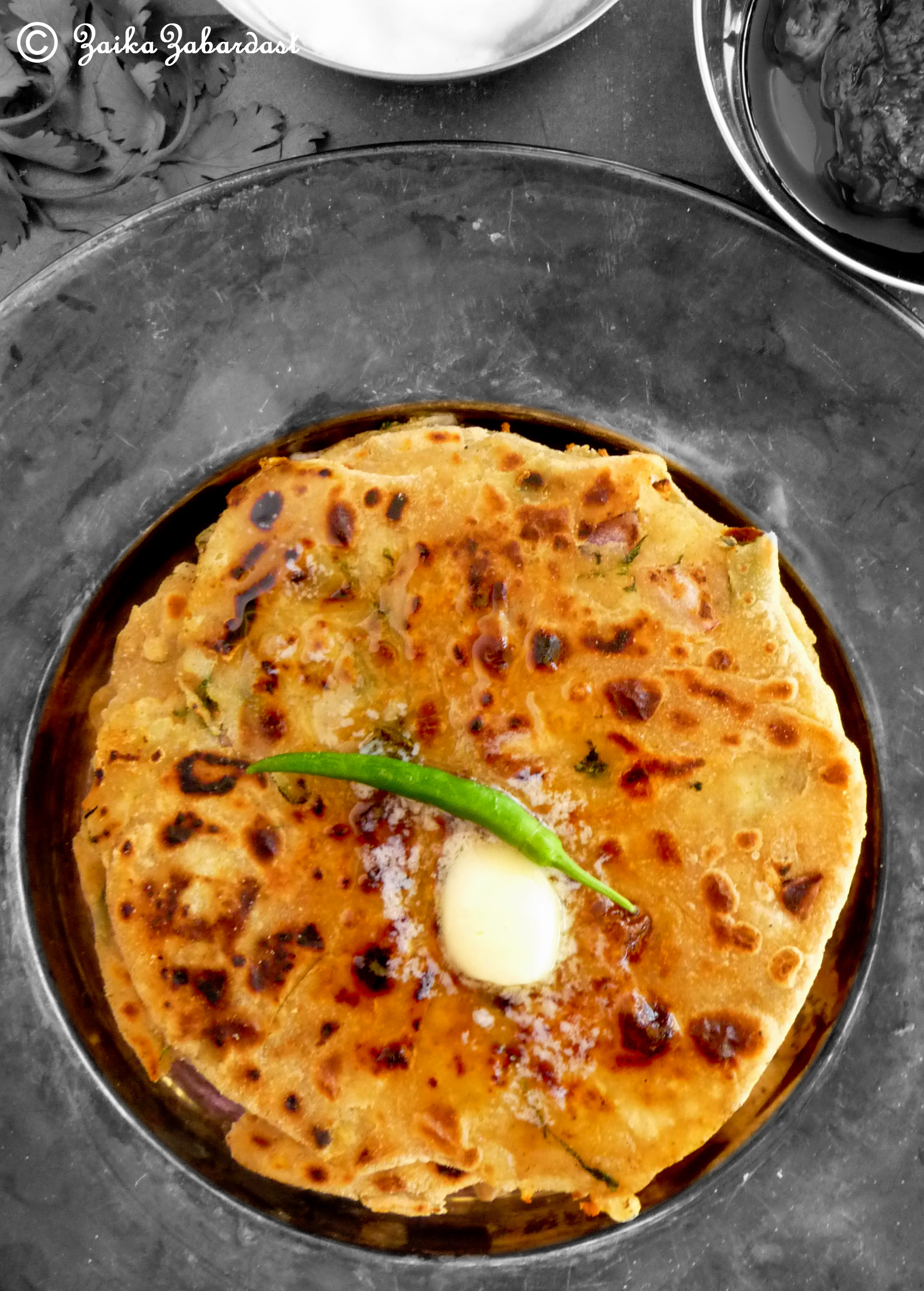 Aloo Paratha aka Potato stuffed Indian flat bread – Every Indian's ...